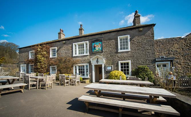 Places to Eat and Drink / Assheton Arms