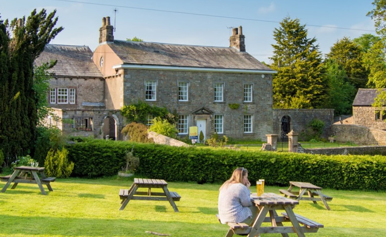 Places to Eat and Drink / The Parkers Arms